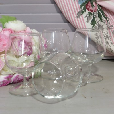 Set of 4 Small Brandy/Cognac Glasses. Four small glasses ideal for your after dinner digestif