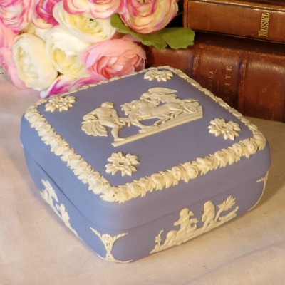Blue Wedgewood Jasperware Trinket Box. A lovely trinket box in blue Jasperware by Wedgewood. This iconic neo classical design is so familiar to all of us who love Wedgewood.