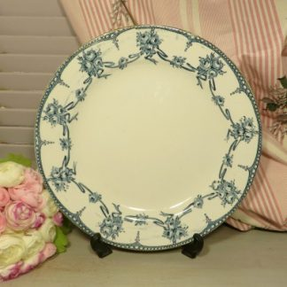 Wedgewood Floral Blue and White Plate.  Beautiful Wedgewood dinner plate with ribbon garland and flower bouquet design