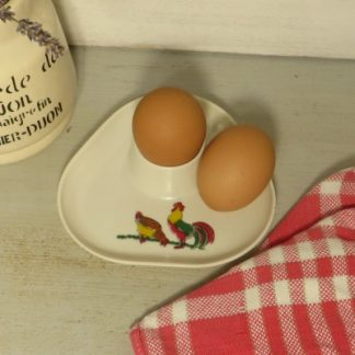 1960/70s Plastic Egg Cup.  Decorated with a chicken and cockerel this pretty egg cup would brighten up any breakfast.