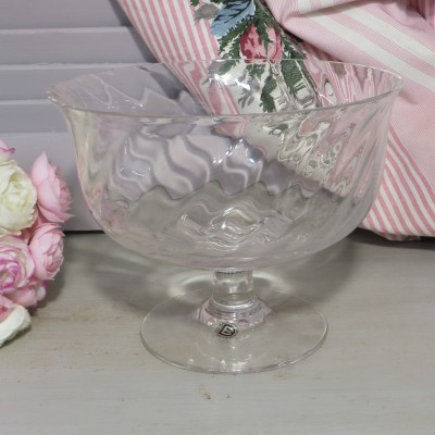 Dartington Glass Ripple Regency Bowl. A lovely lead crystal bowl designed by Frank Thrower with a pretty ripple design. Perfect for fruit