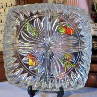 Moulded Glass Mid Century hors d'oeuvres Dish with Vegetable Decoration. This lovely dish has 4 subsections