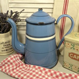 A bright blue French enamel coffee pot for your vintage kitchen.  A true shabby chic style piece which looks wonderful as decoration or for displaying flowers