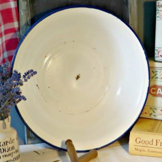 French White Enamel Vintage Bowl Basin. A super white French enamel bowl/basin with a blue rim which is perfect for decoration in your home or as a cute and unusual plant pot in your garden.