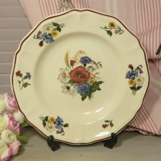 Sarreguemines 'Agreste' Faience Soup/Dessert. A lovely large bowl decorated with poppies